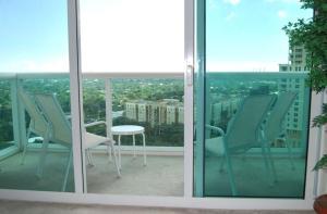 Condomínio para Locação às 347 North New River Drive 347 North New River Drive Fort Lauderdale, Florida 33301 Estados Unidos