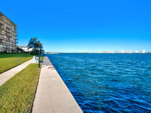 Lake Harbour Towers Condo