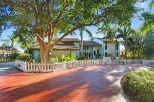 Single Family Home for Sale at 108 NE Alice Street Jensen Beach, Florida 34957 United States