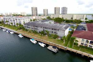 Yacht Harbour Landings Condo