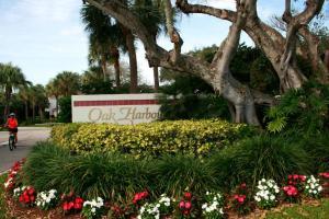 Oak Harbour Condos