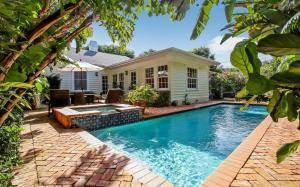 Maison unifamiliale pour l Vente à 293 Flamingo Drive 293 Flamingo Drive West Palm Beach, Florida 33401 États-Unis