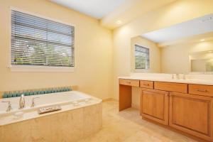 Additional photo for property listing at 129 Via Poinciana Lane 129 Via Poinciana Lane 博卡拉顿, 佛罗里达州 33487 美国