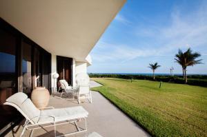 Condomínio para Venda às 2000 S Ocean Boulevard 2000 S Ocean Boulevard Palm Beach, Florida 33480 Estados Unidos