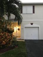 Residência urbana para Locação às 839 NW 42nd Place 839 NW 42nd Place Deerfield Beach, Florida 33064 Estados Unidos