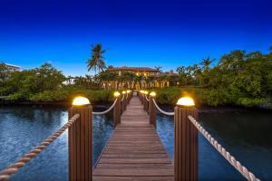 独户住宅 为 销售 在 506 N Atlantic Drive Lantana, 佛罗里达州 33462 美国