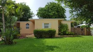 Casa Unifamiliar por un Alquiler en 221 188th Street 221 188th Street Sunny Isles Beach, Florida 33160 Estados Unidos