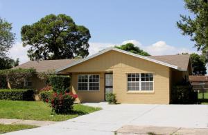 Casa Unifamiliar por un Alquiler en 3203 Kingsley Drive 3203 Kingsley Drive Fort Pierce, Florida 34950 Estados Unidos