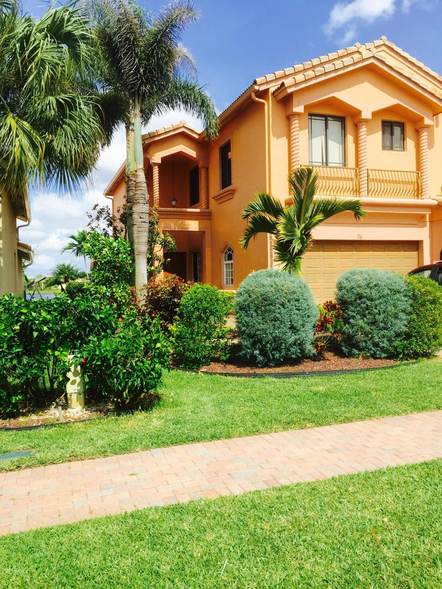 116 Sarona Circle Royal Palm Beach, FL 33411