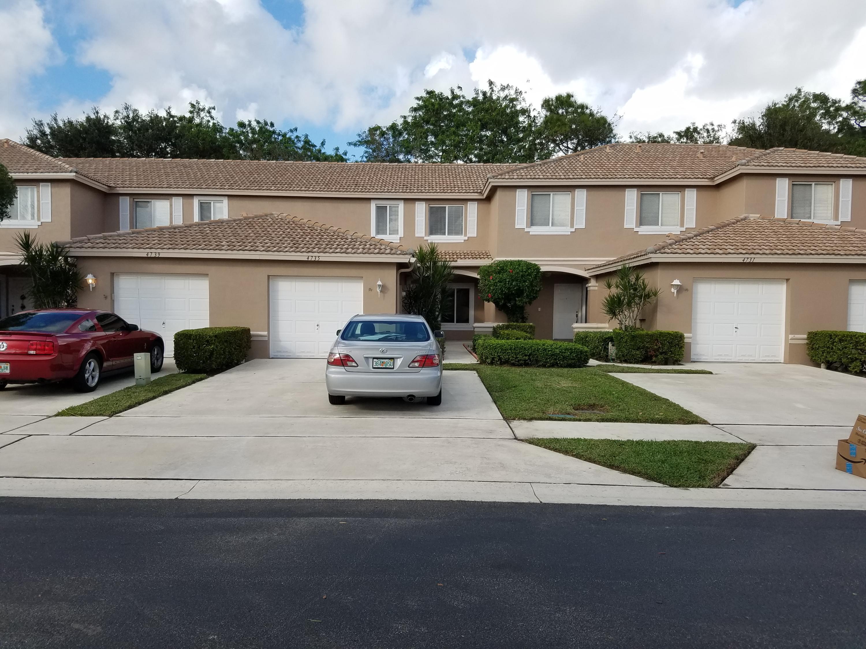 4735 Pinemore 4735 Lake Worth, FL 33463