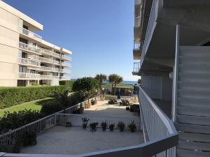 Dorchester Of Palm Beach Condo
