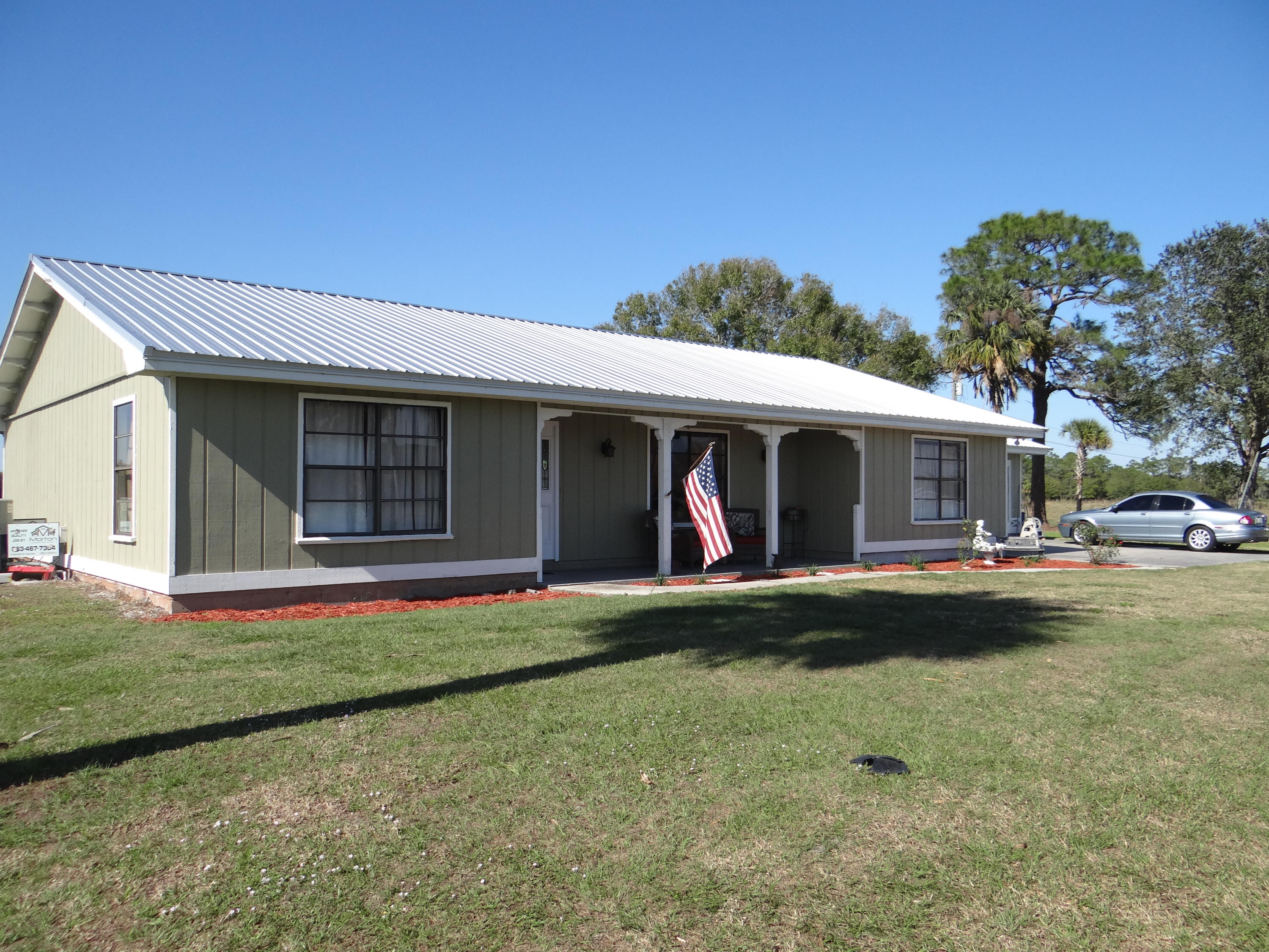 Home for sale in Whispering Pines Okeechobee Florida