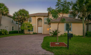 Single Family Home for Sale at 7122 Pinecreek Way Coconut Creek, Florida 33073 United States