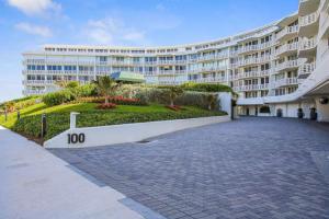 Condominium for Sale at 100 Sunrise Avenue 100 Sunrise Avenue Palm Beach, Florida 33480 United States