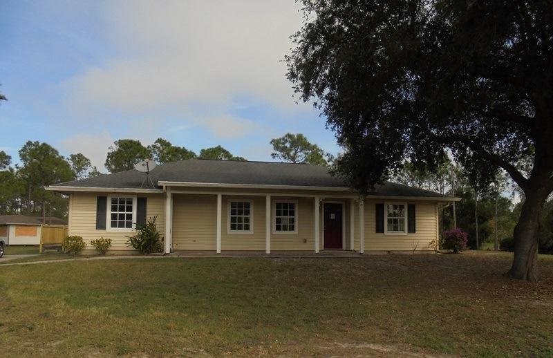 Home for sale in Fellsmere Farms Fellsmere Florida
