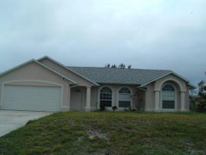 Maison unifamiliale pour l à louer à 318 SW Jeanne Avenue 318 SW Jeanne Avenue Port St. Lucie, Florida 34953 États-Unis