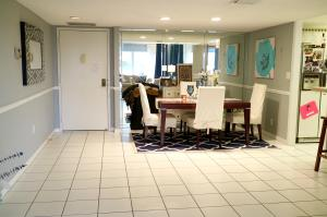 Additional photo for property listing at 5100 N Ocean Boulevard 5100 N Ocean Boulevard Lauderdale By The Sea, Florida 33308 United States