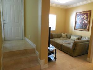 Additional photo for property listing at 150 NE 6th Avenue 150 NE 6th Avenue 德尔雷比奇海滩, 佛罗里达州 33483 美国