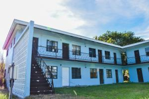Commercial for Sale at 37280 Okeechobee Avenue Canal Point, Florida 33438 United States