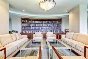 Additional photo for property listing at 3000 N Ocean Drive 3000 N Ocean Drive Singer Island, Florida 33404 Estados Unidos