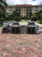 Additional photo for property listing at 250 NE 20th Street 250 NE 20th Street Boca Raton, Florida 33431 Estados Unidos