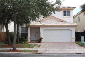 Einfamilienhaus für Verkauf beim 6973 NW 107th Court Doral, Florida 33178 Vereinigte Staaten