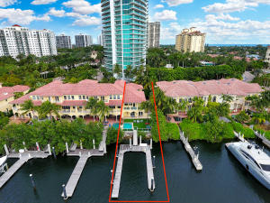 Townhouse for Sale at 3852 NE 199th Terrace Aventura, Florida 33180 United States