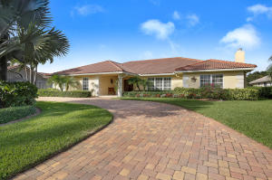 Maison unifamiliale pour l Vente à 528 N Country Club Drive 528 N Country Club Drive Atlantis, Florida 33462 États-Unis