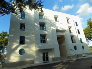 Comercial por un Venta en 880 NW 13th Street 880 NW 13th Street Boca Raton, Florida 33486 Estados Unidos