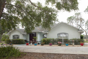 Single Family Home for Sale at 4270 Marsh Road 4270 Marsh Road Deland, Florida 32720 United States