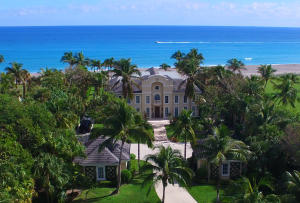 واحد منزل الأسرة للـ Sale في 211 S Beach Road Hobe Sound, Florida 33455 United States