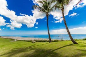 Additional photo for property listing at 215 S Beach Road  Hobe Sound, Florida 33455 United States