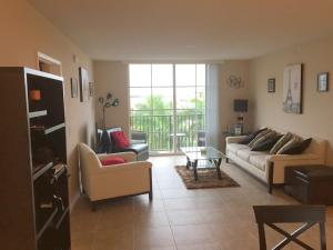 Additional photo for property listing at 651 Okeechobee Boulevard 651 Okeechobee Boulevard West Palm Beach, Florida 33401 Vereinigte Staaten