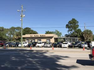 Commercial pour l Vente à 5139 Lake Worth Road Greenacres, Florida 33463 États-Unis
