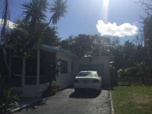 Casa para uma família para Locação às 2040 E Hillsboro Boulevard Deerfield Beach, Florida 33441 Estados Unidos