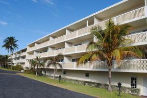 Palm Beach Whitehouse Condo