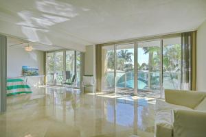 Condomínio para Locação às 333 NE 21 Avenue Deerfield Beach, Florida 33441 Estados Unidos