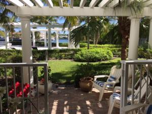 独户住宅 为 出租 在 Bermuda Cay, 651 E Woolbright Road 651 E Woolbright Road 博因顿海滩, 佛罗里达州 33435 美国
