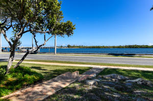 Great family home along the intracoastal in the desirable South of Southern area.  Remarkable waterfront views from the living room, master bedroom, and guest bedroom.  Premiere location with potential for a dock.