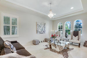 Additional photo for property listing at 724 Edgebrook Lane  Royal Palm Beach, Florida 33411 United States