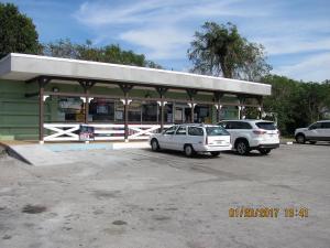 商用 为 销售 在 37071 Main Street Canal Point, 佛罗里达州 33438 美国