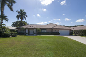 Maison unifamiliale pour l Vente à 229 N Country Club Drive Atlantis, Florida 33462 États-Unis