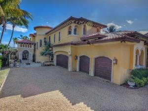 Single Family Home for Sale at 710 SE Atlantic Drive Lantana, Florida 33462 United States