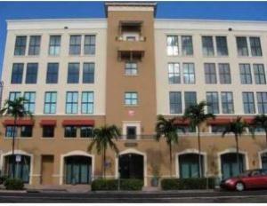 Maison unifamiliale pour l à louer à 814 Ponce De Leon Boulevard Coral Gables, Florida 33134 États-Unis