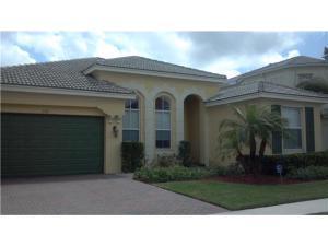 Casa para uma família para Locação às 2386 Bellarosa Circle 2386 Bellarosa Circle Royal Palm Beach, Florida 33411 Estados Unidos