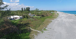 Single Family Home for Sale at 407 S Beach Road Hobe Sound, Florida 33455 United States