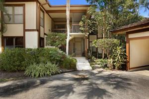 Appartement en copropriété pour l Vente à 13380 Polo Road Wellington, Florida 33414 États-Unis