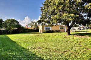 Additional photo for property listing at 161 Morgans Way 161 Morgans Way Palm Springs, Florida 33461 United States