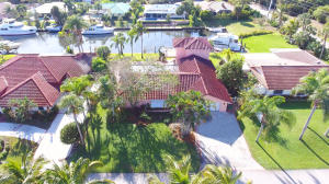 Single Family Home for Sale at 8422 SE Royal Street 8422 SE Royal Street Hobe Sound, Florida 33455 United States