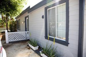 Additional photo for property listing at 124 E Hart Street 124 E Hart Street Lantana, Florida 33462 Estados Unidos
